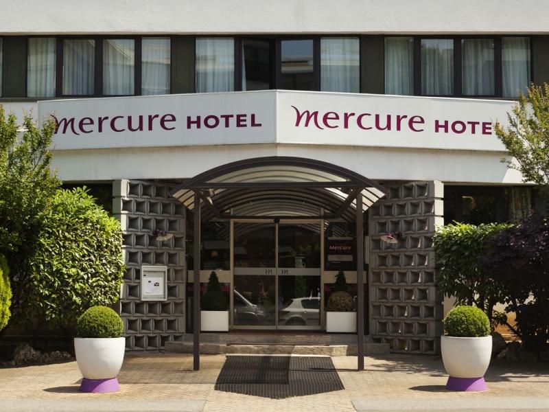1Mercure-facade