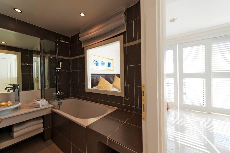 Salle de bain hotel photos de conception de maison for Salle bain hotel